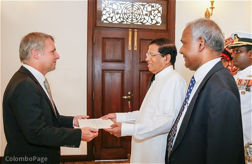 Sri lanka sri lanka strives to further strengthen the bilateral ambassador rohde conveying greetings from chancellor angela merkel said german sri lanka cooperation is expanding at a rapid pace and several trade and m4hsunfo